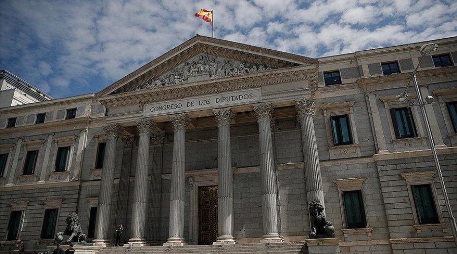İspanya hükümeti bazı devlet kurumlarını başkent dışına çıkarmayı plan