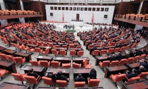 Meclis'te kamu reklamı tartışması